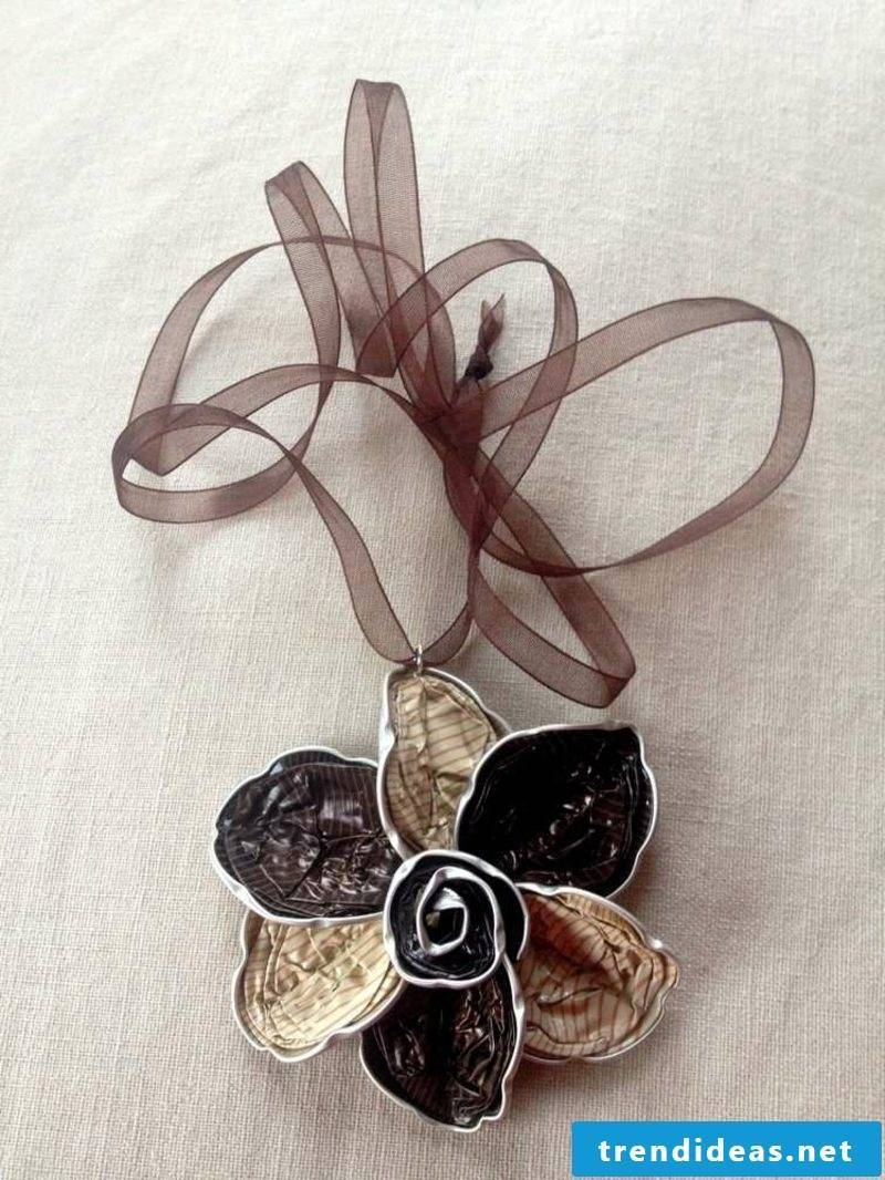 Necklace flower shape jewelry from Nespresso capsules
