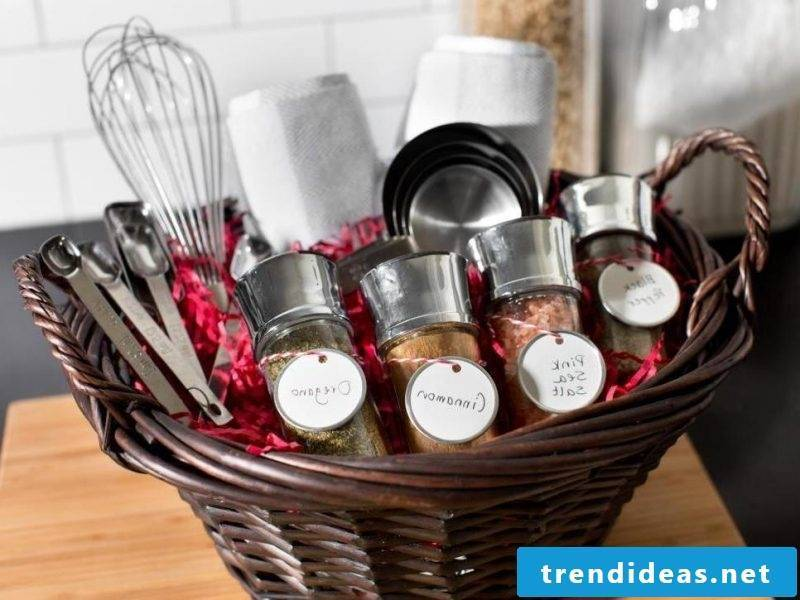 wedding party favors practical