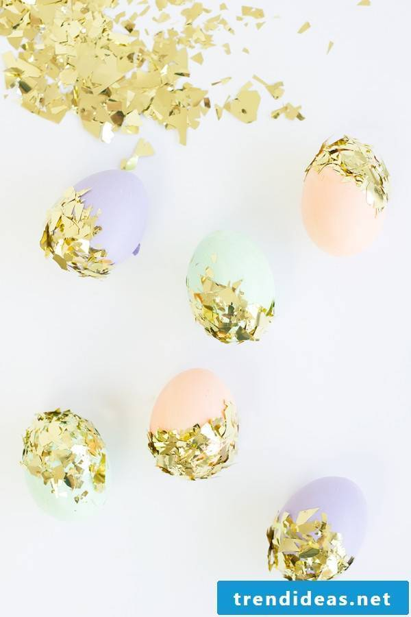 If you want to create these beautiful sparkling Easter eggs without coloring, then read our article