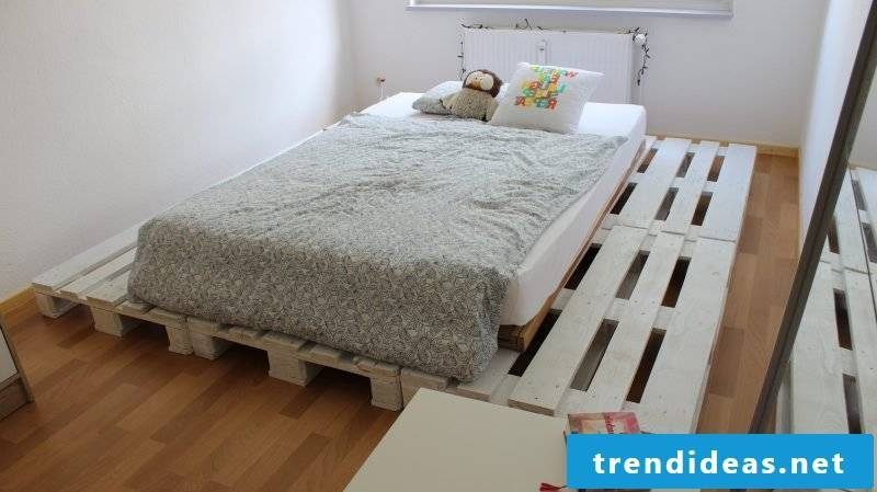 diy bed white