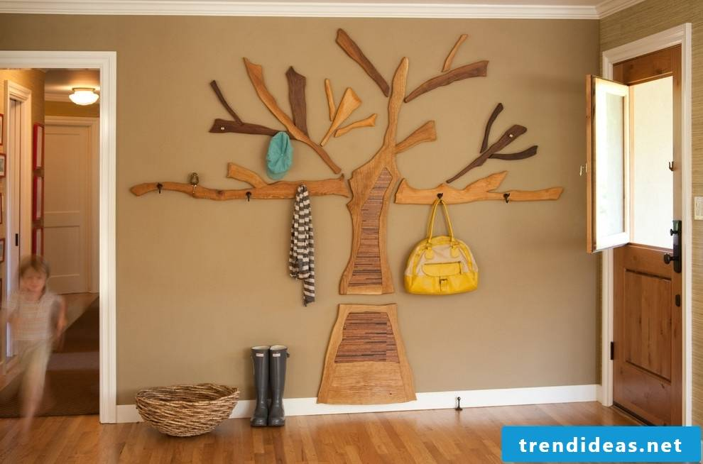 Hallway decoration made of wood