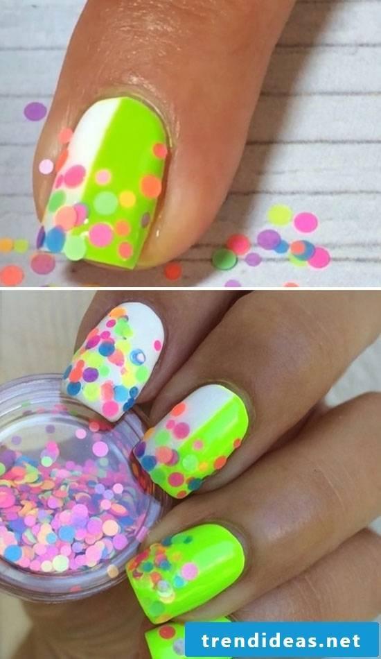 Fingernail motifs glaring