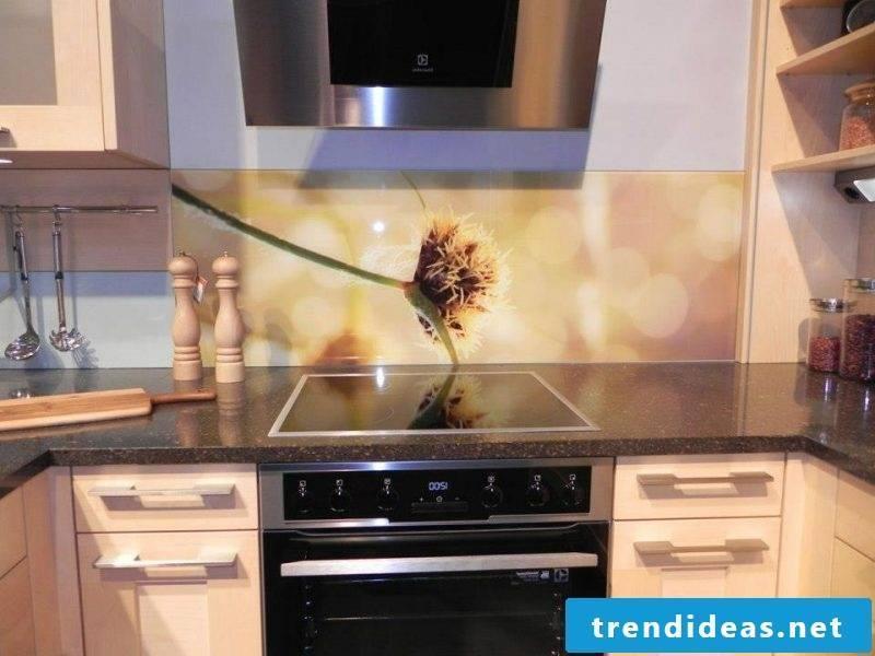 kitchen glass backboard discreet