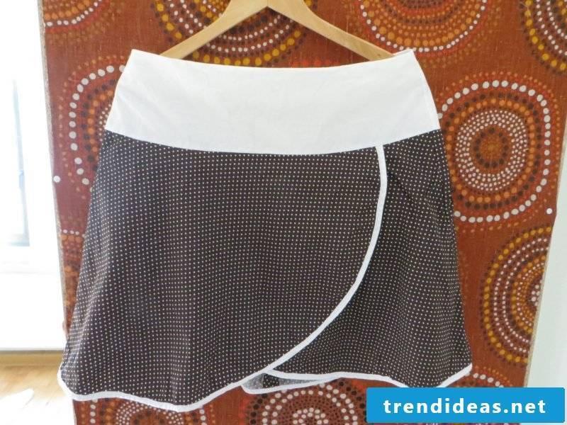interesting short wrap skirt