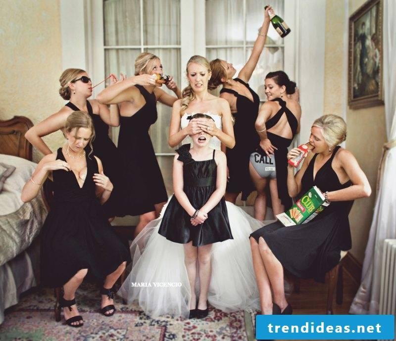 Wedding pictures team bride