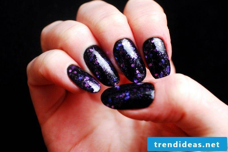 Nail modeling pictures: Use glitter for an eye-catcher