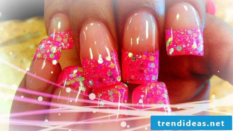 Nail modeling Pictures: Nail modeling is artificial extension