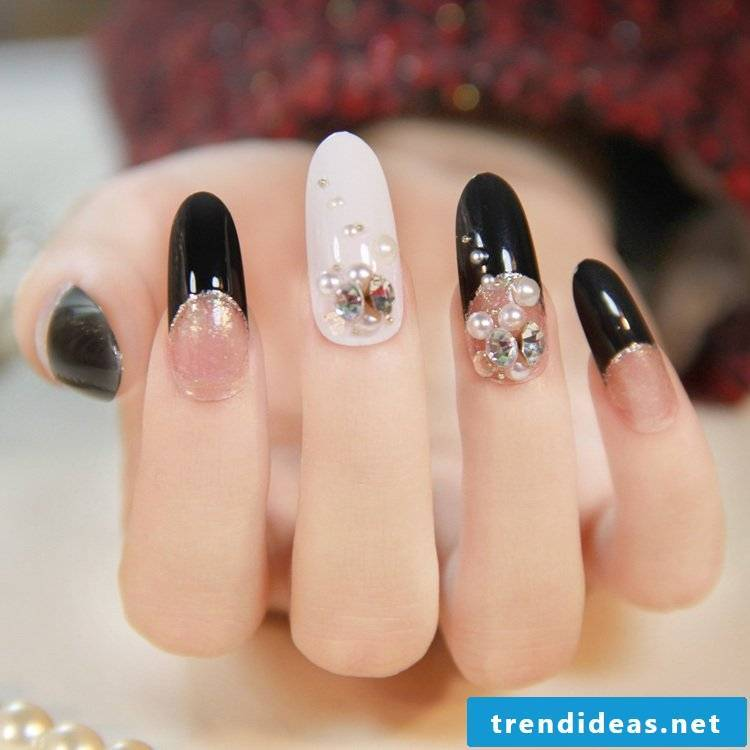 Get iden of our nail modeling pictures