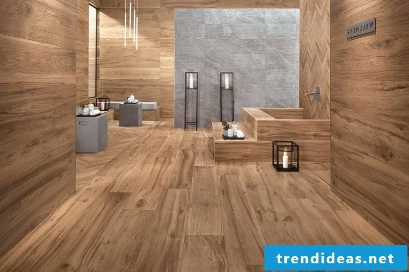 Wood wallcovering bathroom design