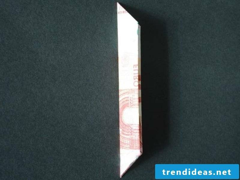 Banknote to flower fold picture instructions