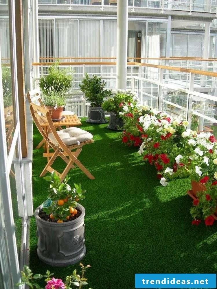 balcony floor green