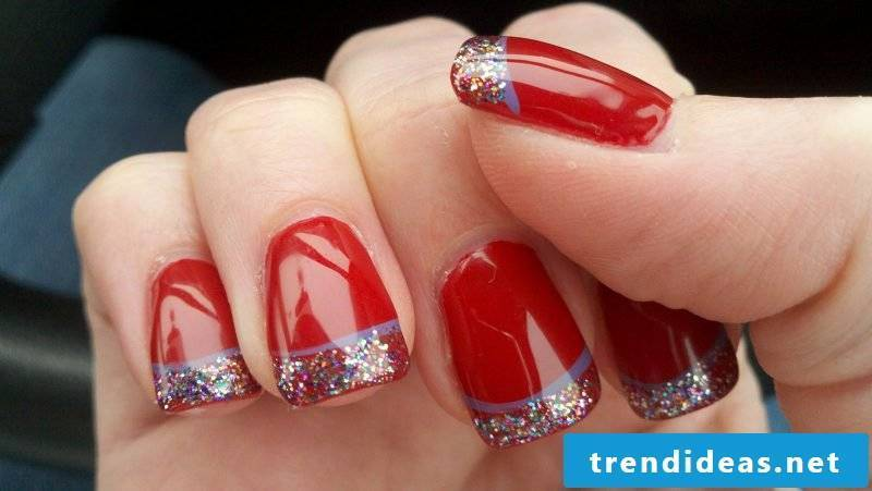 Gel nails pattern in red