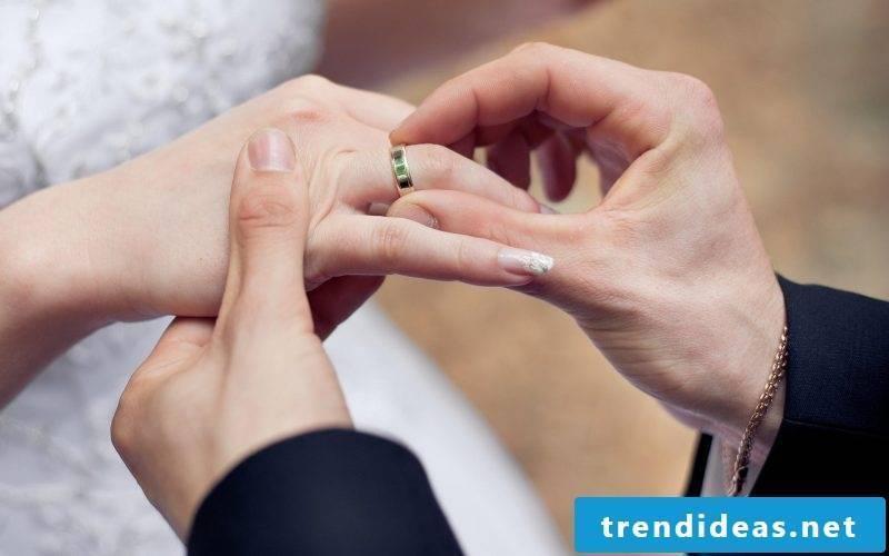 wedding nails discreetly