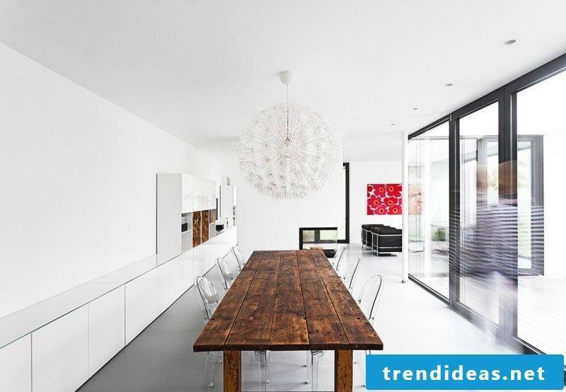 Natural wood solid wood tables with a modern design are a trend