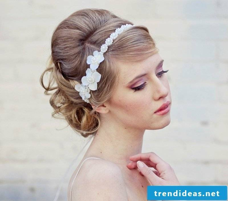 Hairstyles with hairband bride