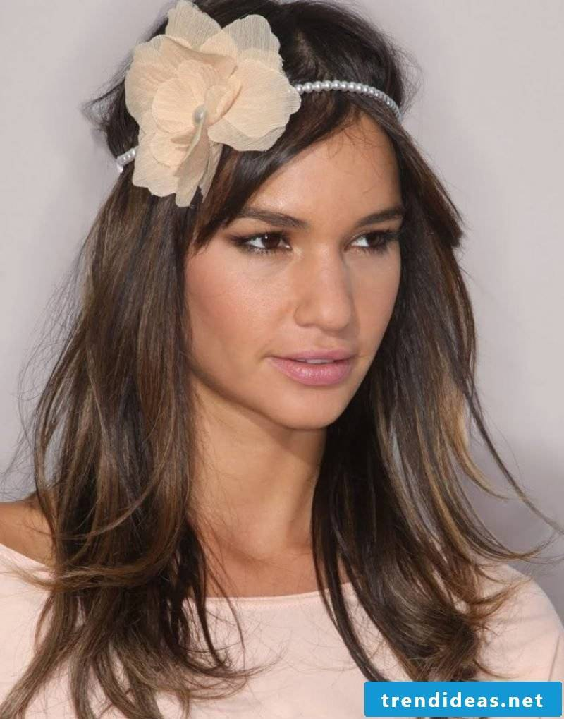 open hairstyle with hairband long hair