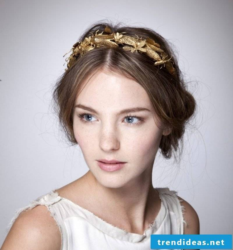 Hairstyles with hairband golden hair band middle parting