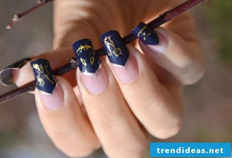 elegant nail design for Halloween cats