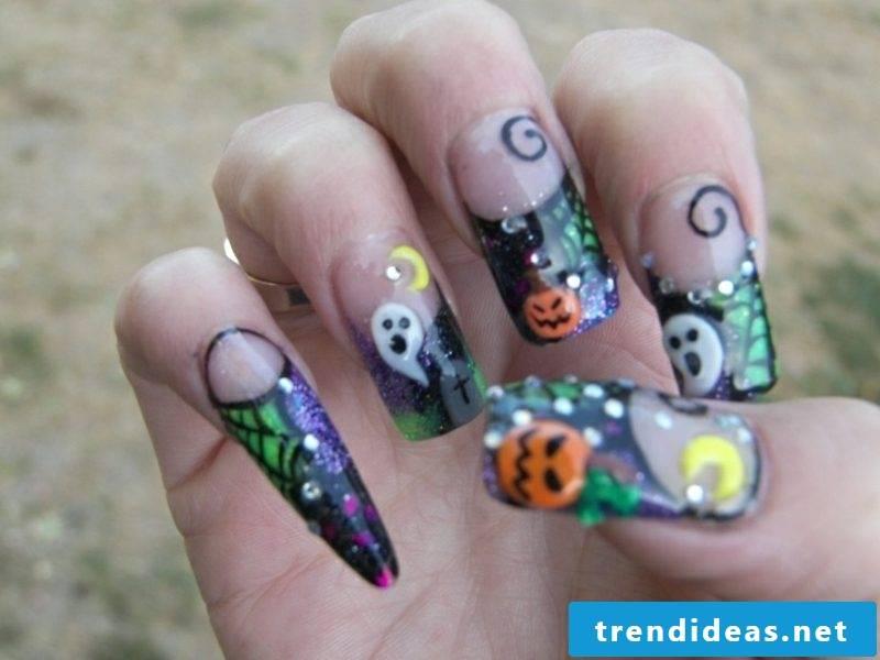 Creepy nail design pattern for Halloween