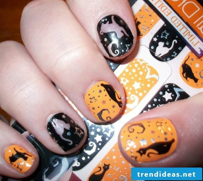 Cat and stars attractive nail design halloween