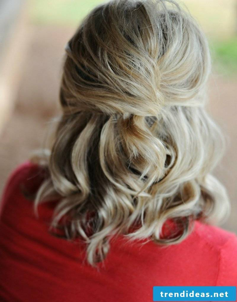 interesting curly hairstyle