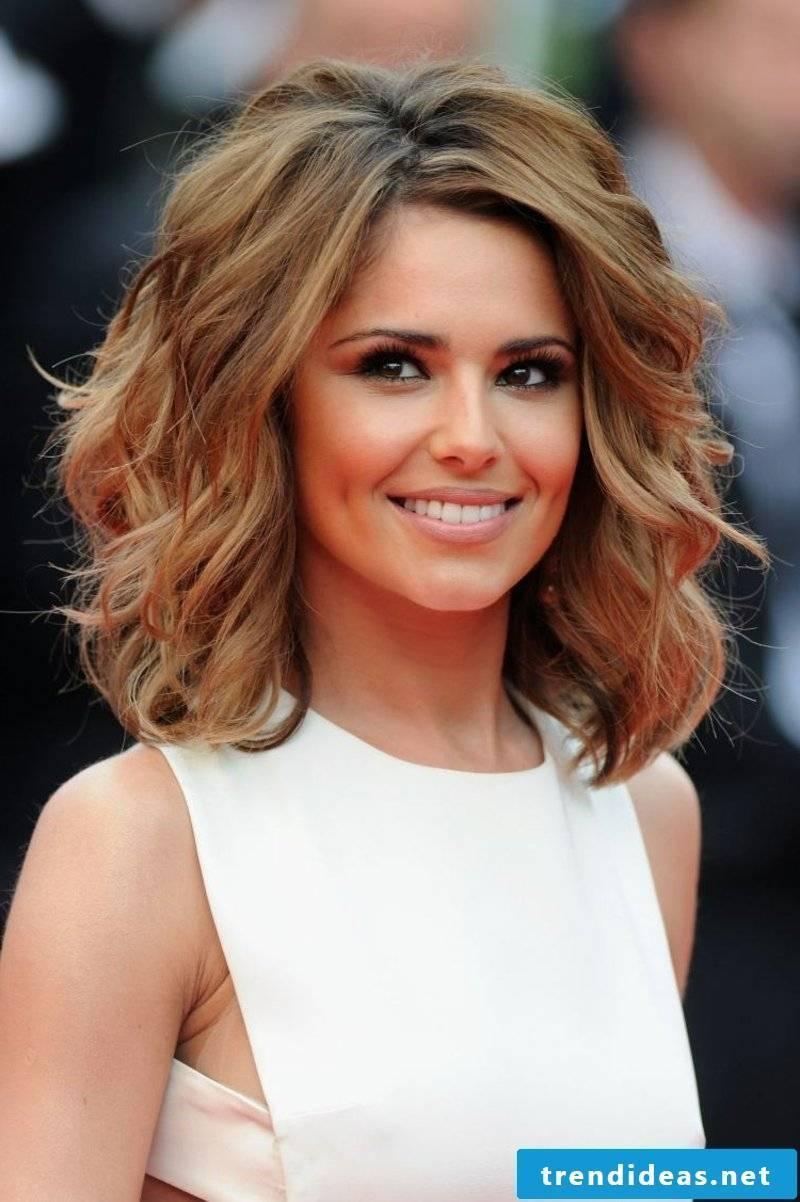 women's hair shoulder-length hair