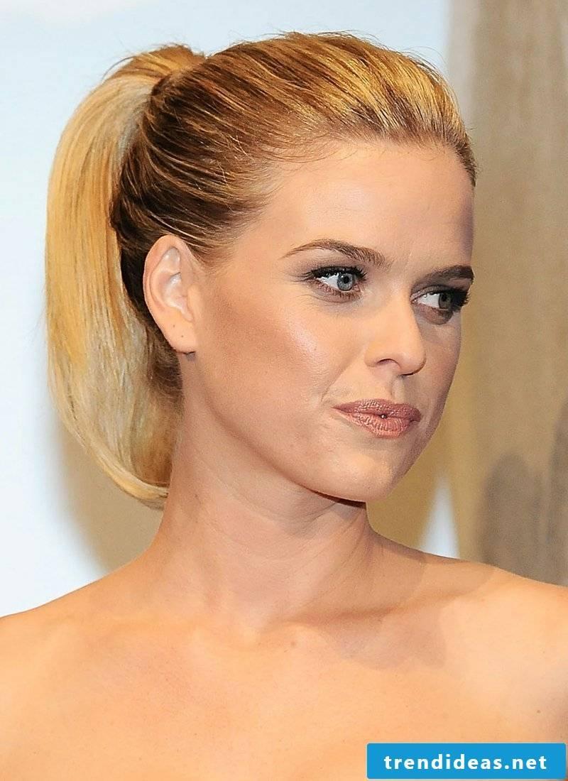 Women's Hair Shoulder Straightener Hair Ponytail