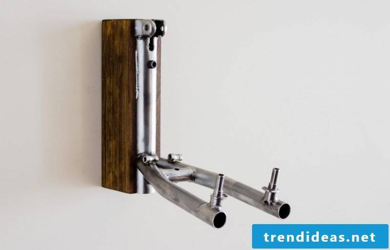 Bicycle mount for wall made of wood and metal