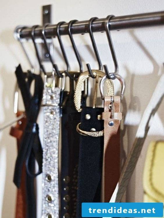 Organization in the dressing room for more space and order