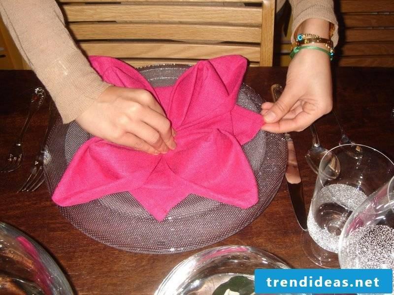 Star napkins fold step 13