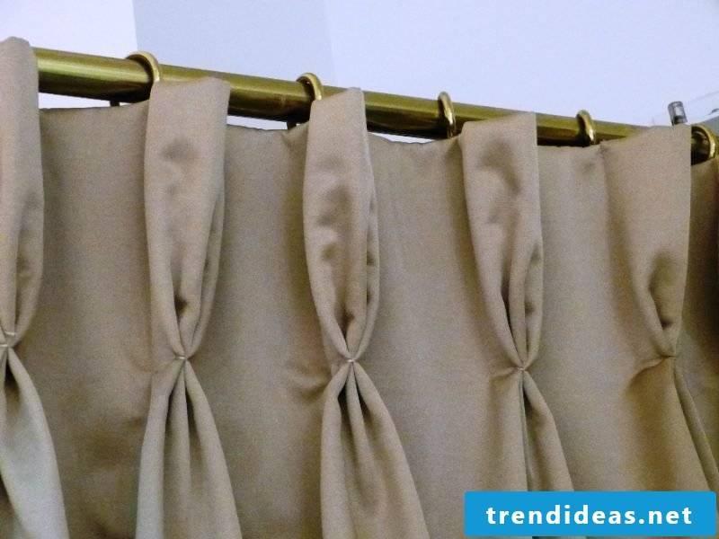 Curtain sew on pleats