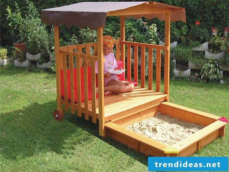 Sandbox build DIY with roof