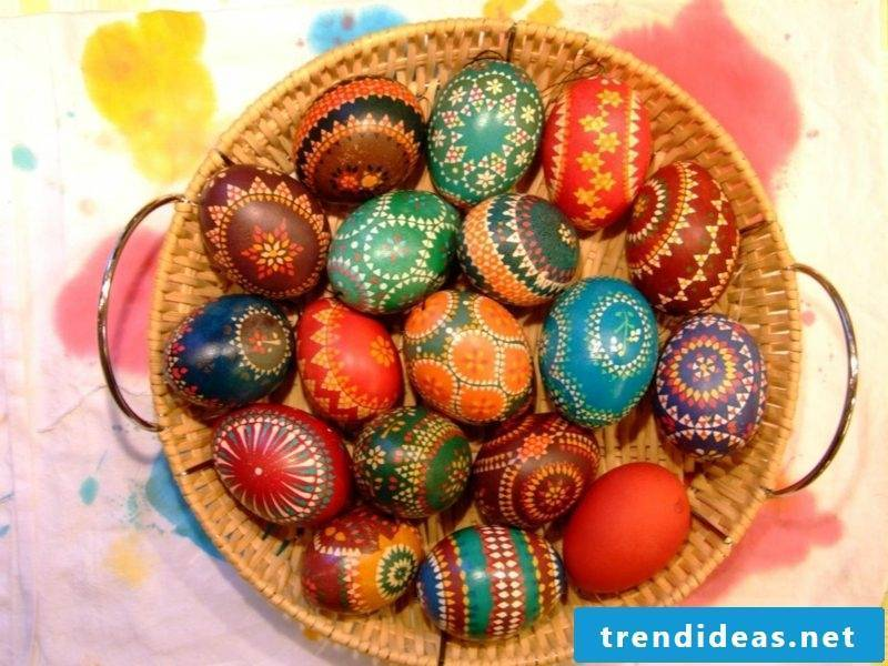 creative DIY ideas sorbian easter eggs