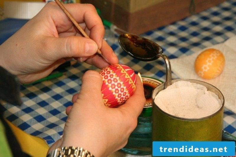 Make Sorbian Easter eggs yourself