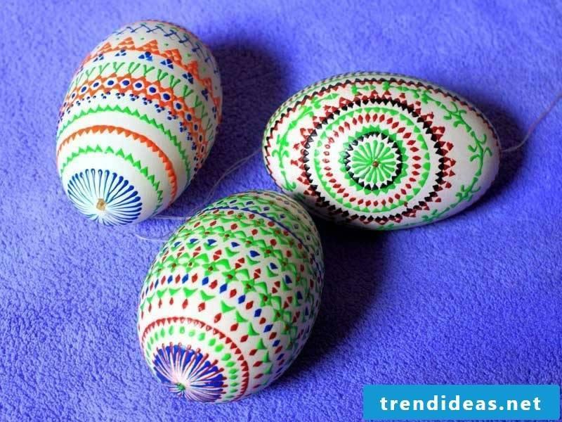 Sorbian Easter eggs original color design Bossiertechnik