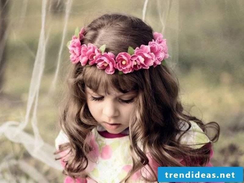 Communion hairstyles Tiara of flowers