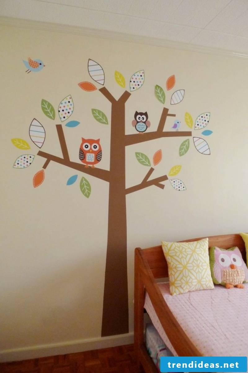Decorate the nursery with templates