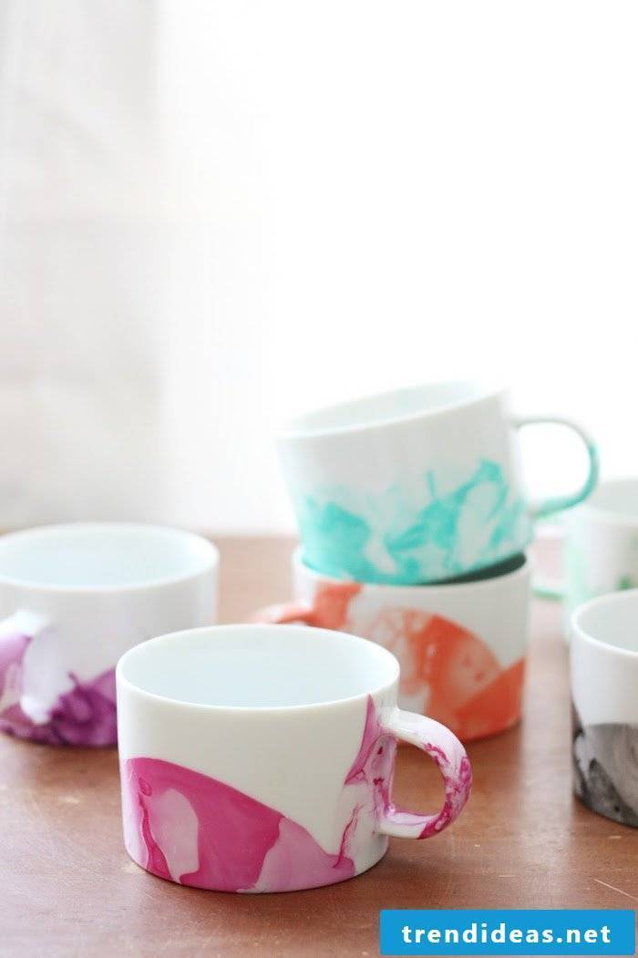 Make Mother's Day Gifts by yourself - paint DIY cups