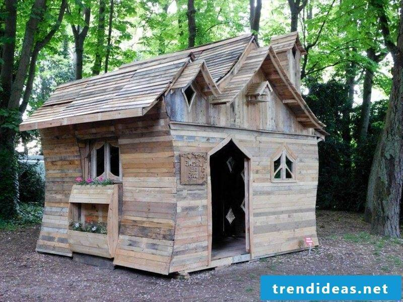 wooden bungalow fancy wooden pallet house built for fun
