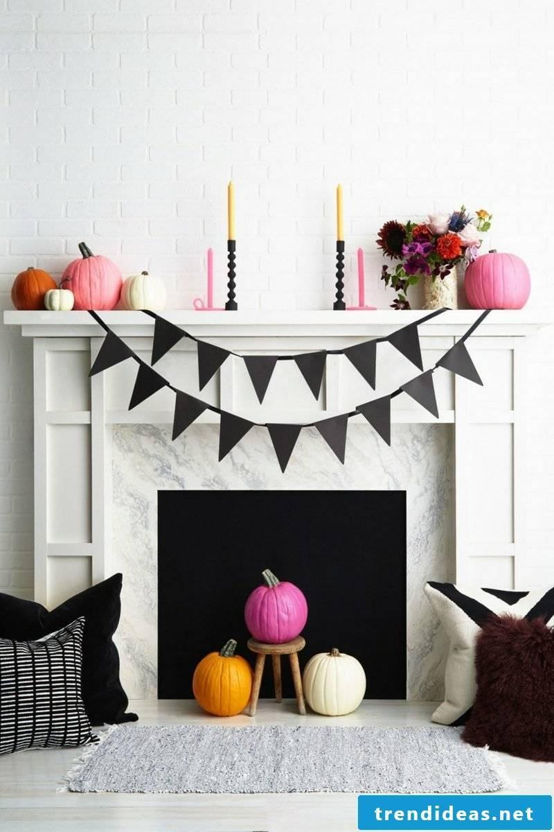 DIY ideas decorate the fireplace autumnal