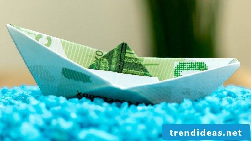 Money heart fold ship