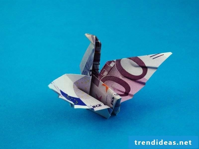 Money heart fold bird