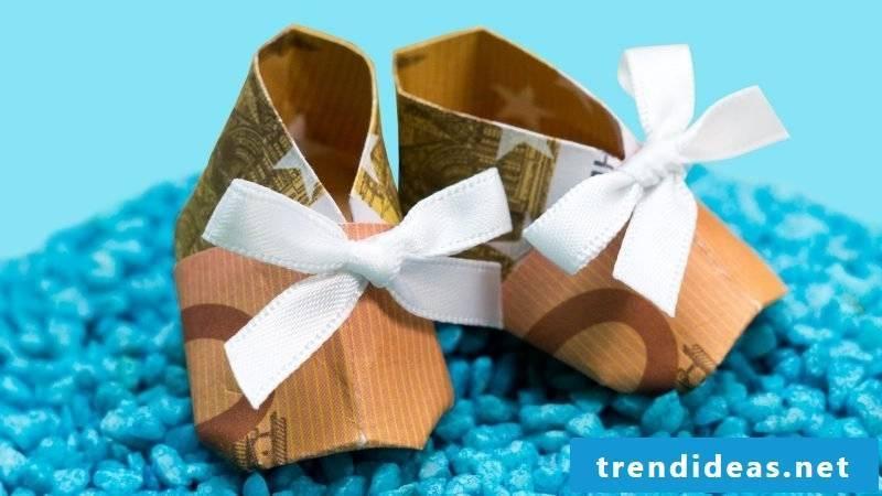 money heart fold shoes