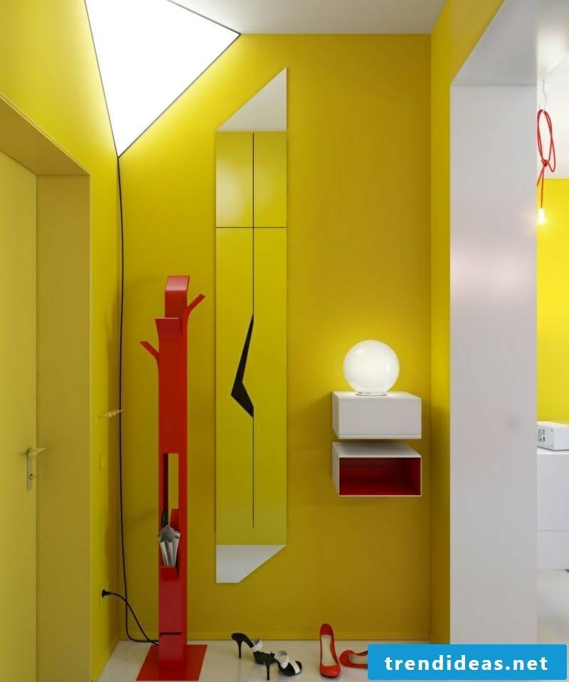 Color scheme in the corridor red and yellow