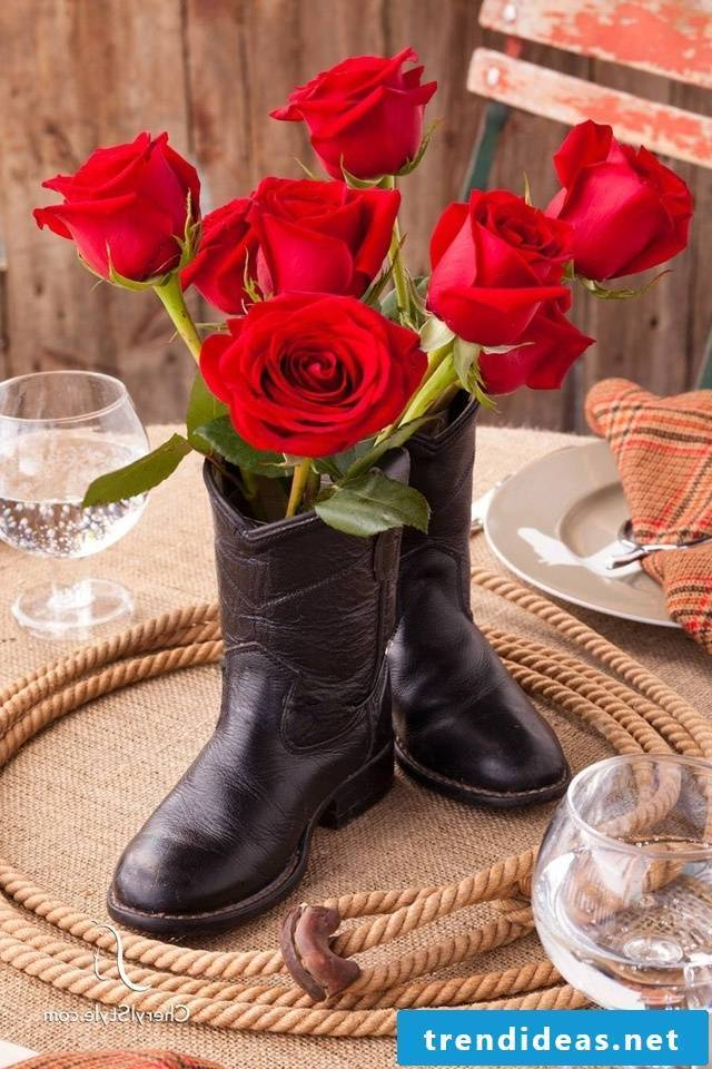 Why not put flowers as Santa Claus gifts in boots?