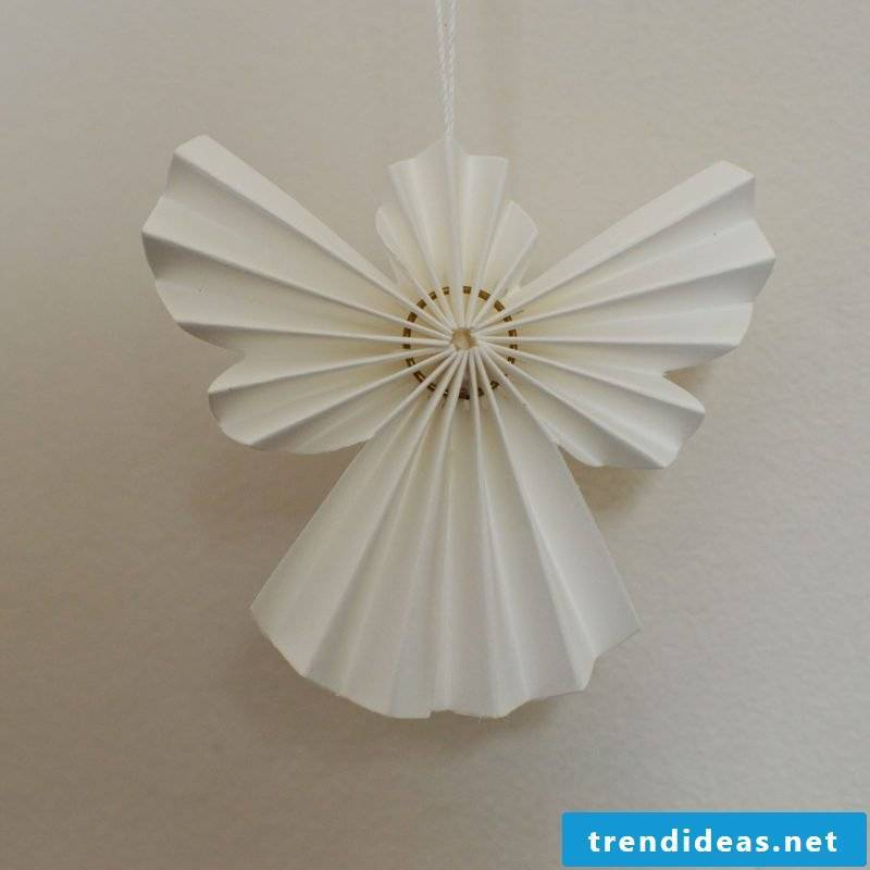 Handicrafts for Christmas angels made of paper