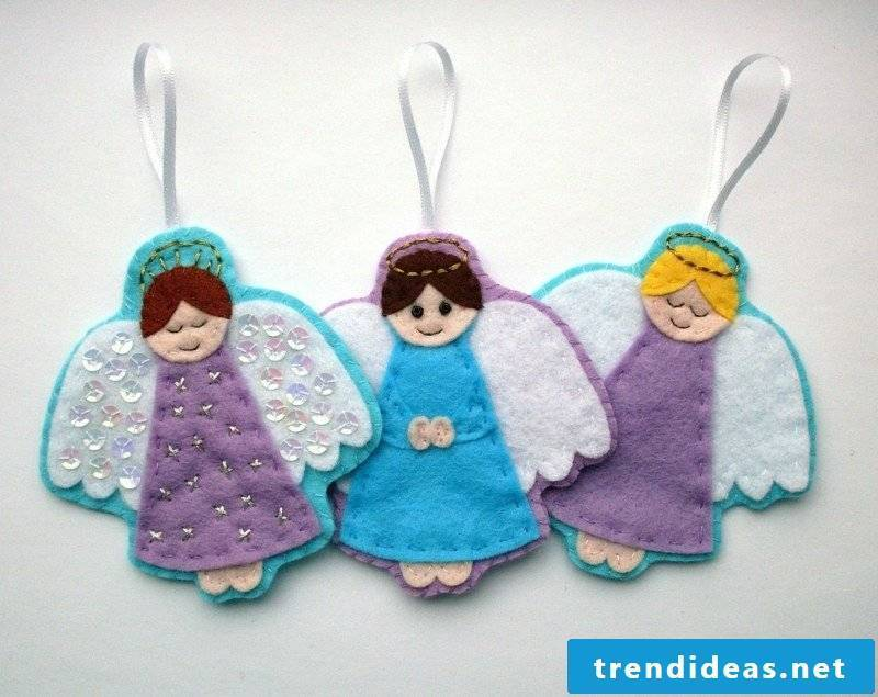 Crafting instructions for Christmas Angel figurines made of felt