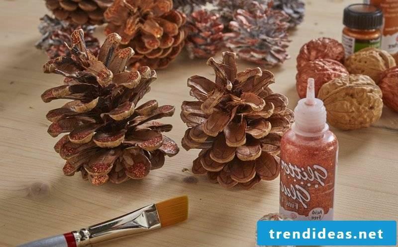Christmas decoration ideas pine cones