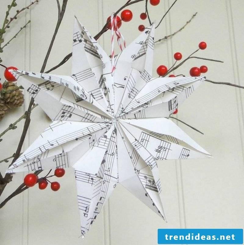 Bastelanleitungen for Christmas star from music paper