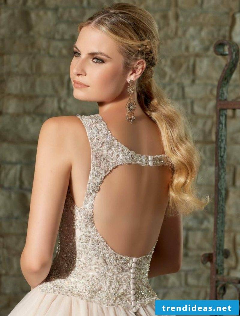 backless bridal gown